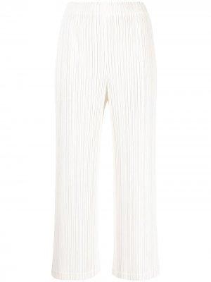 Укороченные плиссированные брюки Pleats Please Issey Miyake. Цвет: белый