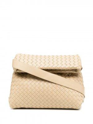 Сумка через плечо с плетением Intrecciato Bottega Veneta. Цвет: нейтральные цвета