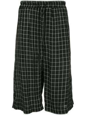 Шорты в пижамном стиле с принтом сетку Ex Infinitas. Цвет: черный