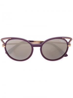Солнцезащитные очки в оправе кошачий глаз Vogue Eyewear. Цвет: розовый и фиолетовый