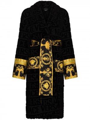 Халат с принтом Baroque и логотипом Versace. Цвет: черный