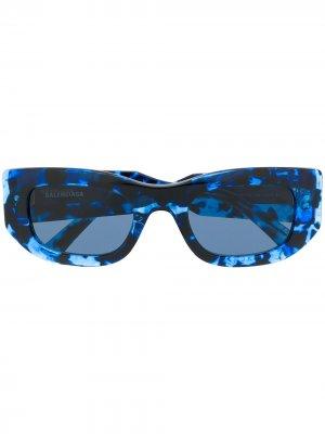 Солнцезащитные очки Blow в прямоугольной оправе Balenciaga Eyewear. Цвет: синий