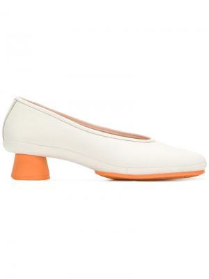 Туфли с закругленным носком Camper. Цвет: нейтральные цвета