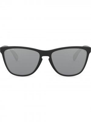 Солнцезащитные очки Frogskins 35th Oakley. Цвет: черный
