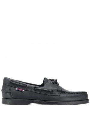 Палубные туфли Sebago. Цвет: черный