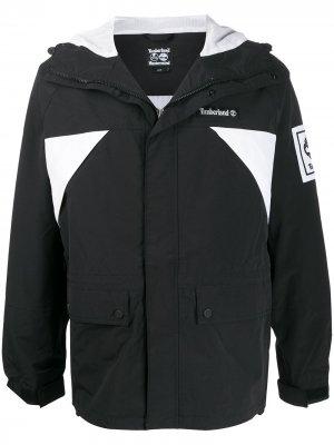 Куртка с капюшоном Timberland. Цвет: черный