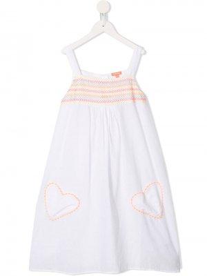 Платье с декоративной строчкой Sunuva. Цвет: белый