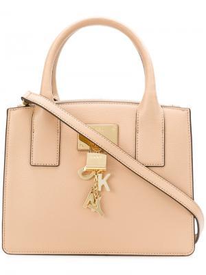 Маленькая сумка-тоут с подвесным замком Donna Karan. Цвет: нейтральные цвета