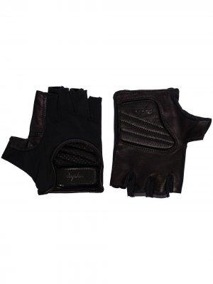Перчатки со вставками Rapha. Цвет: черный